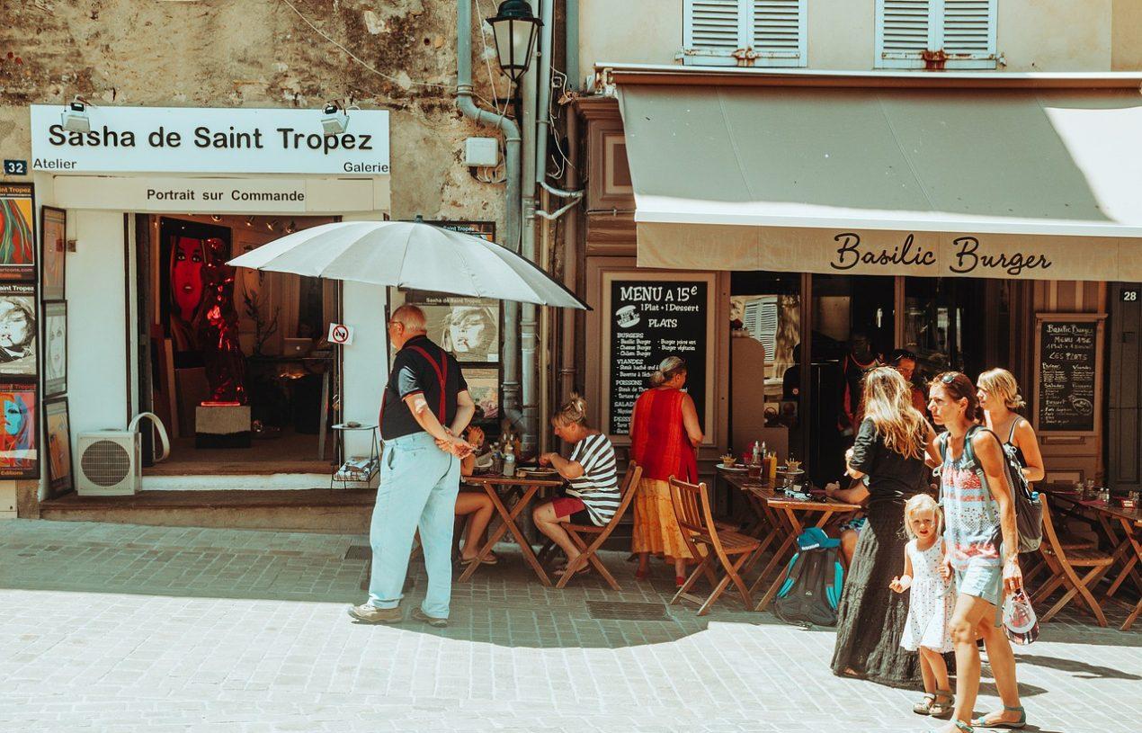 Les bars à vins incontournables à Saint-Tropez